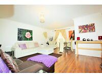 2 bedroom flat in Augusta Court, Great North Way, Hendon, NW4
