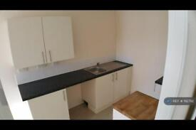 2 bedroom flat in Poulton Road, Wallasey, CH44 (2 bed)