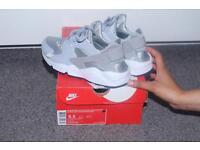 Nike huaraches wolf grey