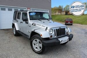 2012 Jeep WRANGLER UNLIMITED Sahara! 4X4! 6 Speed! GREAT SHAPE!