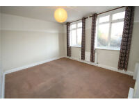 Spacious 2 bed maisonette to rent, very large sized rooms, excellent links, designated parking