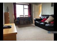 3 bedroom flat in Penrith Drive, Glasgow, G12 (3 bed)
