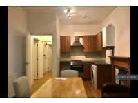 2 bedroom flat in Amesbury Avenue, London, SW2 (2 bed)