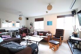 Large 4 bed, private garden, off street parking, modern finish, projector & screen, 4 mins to tube
