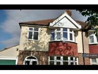 3 bedroom house in Queen Mary Avenue, Morden, Surrey, SM4 (3 bed)