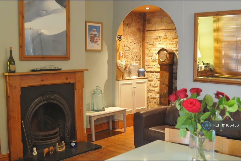 3 bedroom house in Davidson Road, Croydon, CR0 (3 bed)