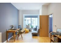 1 bedroom flat in Southampton Way, London, SE5 (1 bed) (#817506)