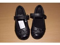 CLARKS DOLLY HEART GIRLS BLACK LEATHER SCHOOL SHOES SIZE 7G EU 25 New RRP £34