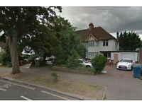 £690 pw | A spacious 5/6 bedroom house to rent in Edgware