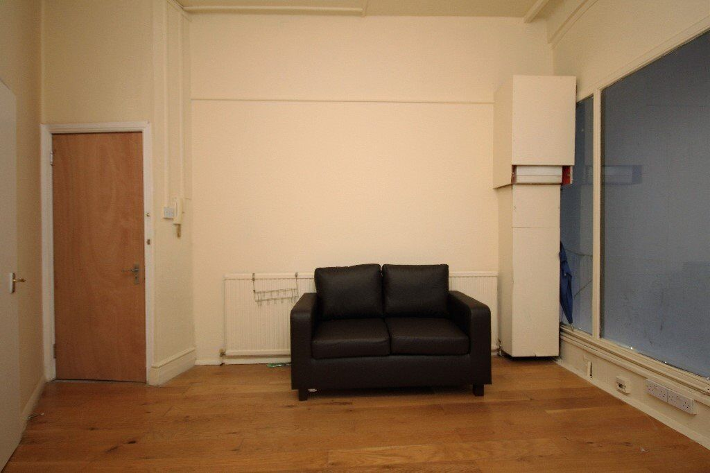 Great one double bedroom apartmenat located moments from liverpool street station EC2A **CHEAP**