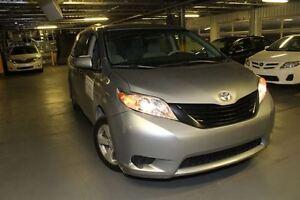 2011 Toyota Sienna CE + MAGS +  COURTOISIE