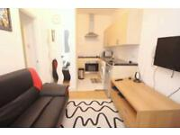 2 bedroom flat in Moscow Road, Bayswater, W2