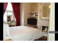 2 bedroom flat in Kettering Street, Streatham, London, SW16 (2 bed)