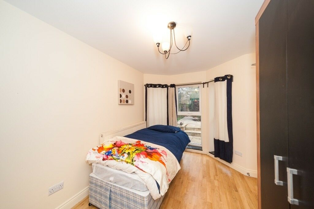 studio flat isleworth tw7 6nr close to hospital the airport and 45 minitues to central