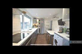 2 bedroom flat in Bath Road, Maidenhead, SL6 (2 bed) (#1160515)