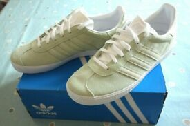 c15e73137012ab Adidas Originals Gazelle Trainers Womens UK Size 5.5 Green white sparkles  CQ2883 BNWB