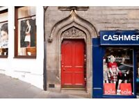 Short Term Let - Central one bedroom flat on The Royal Mile and next to Edinburgh Castle (417)