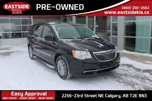 2016 Chrysler Town & Country Touring-L Leather Seats Back Up Cam
