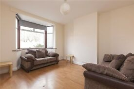 **Large House, 4 bedrooms, big living room, parking, and a large garden to the rear**
