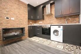 3 bedroom flat in Brooke Road, Stoke Newington