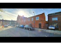 3 bedroom flat in Woolwich Road, London, SE10 (3 bed) (#1109285)