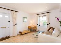 2 bedroom flat in New High Street, Headington, Oxford
