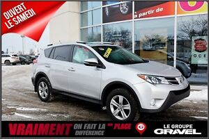 2015 Toyota RAV4 XLE 4WD TOIT OUVRANT MAGS SUPER PROPRE