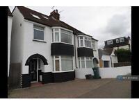 4 bedroom house in Links Road, Brighton, BN41 (4 bed)