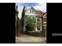 1 bedroom flat in Corfton Road, Ealing, W5 (1 bed)