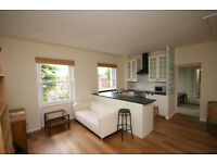 Modern 1 Bed Top Floor Furnished Flat near Surbiton Station and Riverside