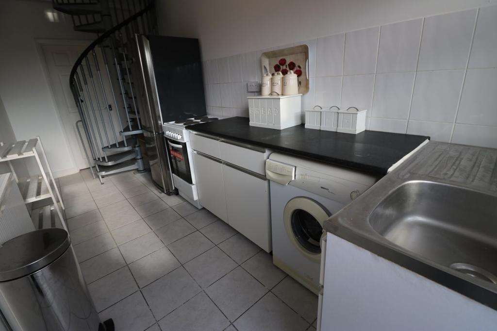 1 bedroom flat in Horns Road, Barkingside