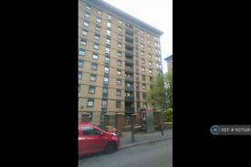 2 bedroom flat in Blackshaw House, Bolton, BL3 (2 bed) (#1107028)