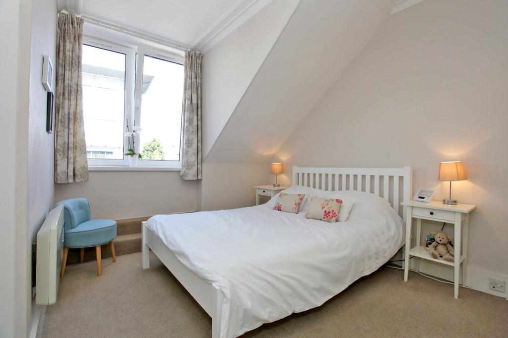 Spacious and bright one bedroom flat in the centre of Aberdeen