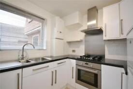 1 bedroom flat in Nether Street, North Finchley, London, N12