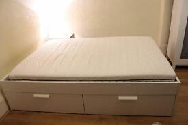 Double bed with 4 drawers for storage
