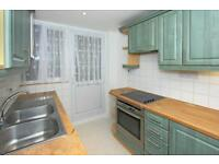 2 bedroom house in Parade Mansions, Watford Way, Hendon NW4