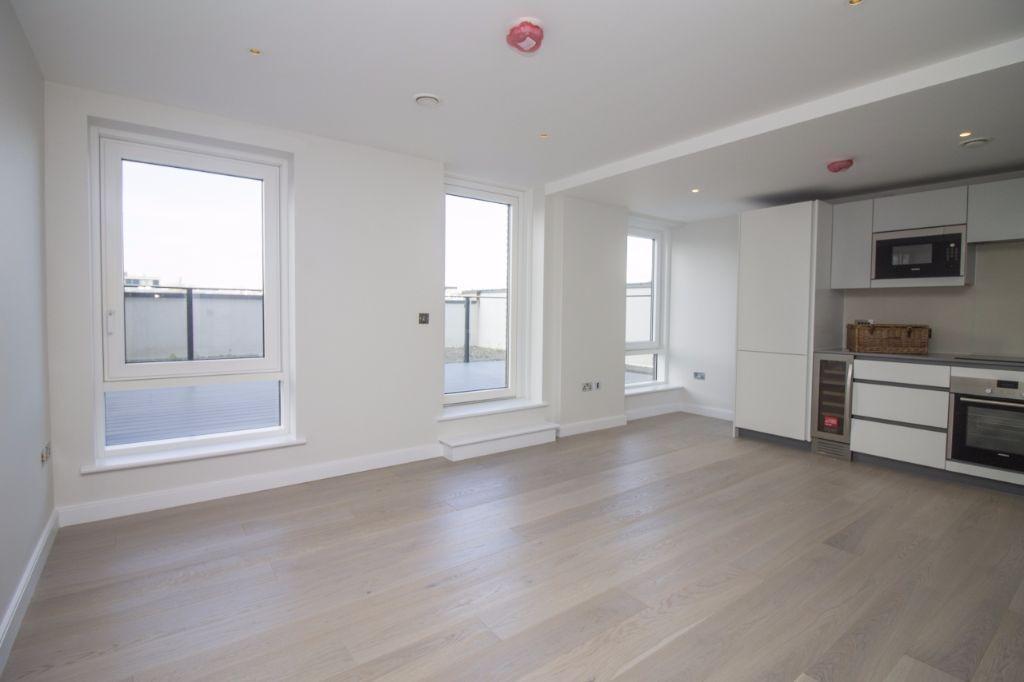 NEW NEW NEW 2 bed 2 bath flat in new development on Wharf Road, N1, furn or unfurn, 24hr concierge