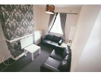 2/3 bed room flat to rent in houghton regis**** incuding electric bill **** , close to town £1000