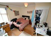 8 bedroom house in Woodville Road, Cathays, Cardiff