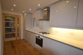 3 bedroom flat in Cumbrian Gardens, Golders Green Estate, NW2
