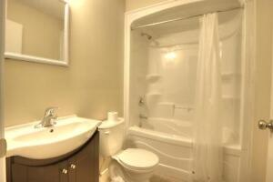 EVERYTHING INCLUDED FOR $595?! LAST 2 ROOMS AT 5 CARDILL CRES! Kitchener / Waterloo Kitchener Area image 7