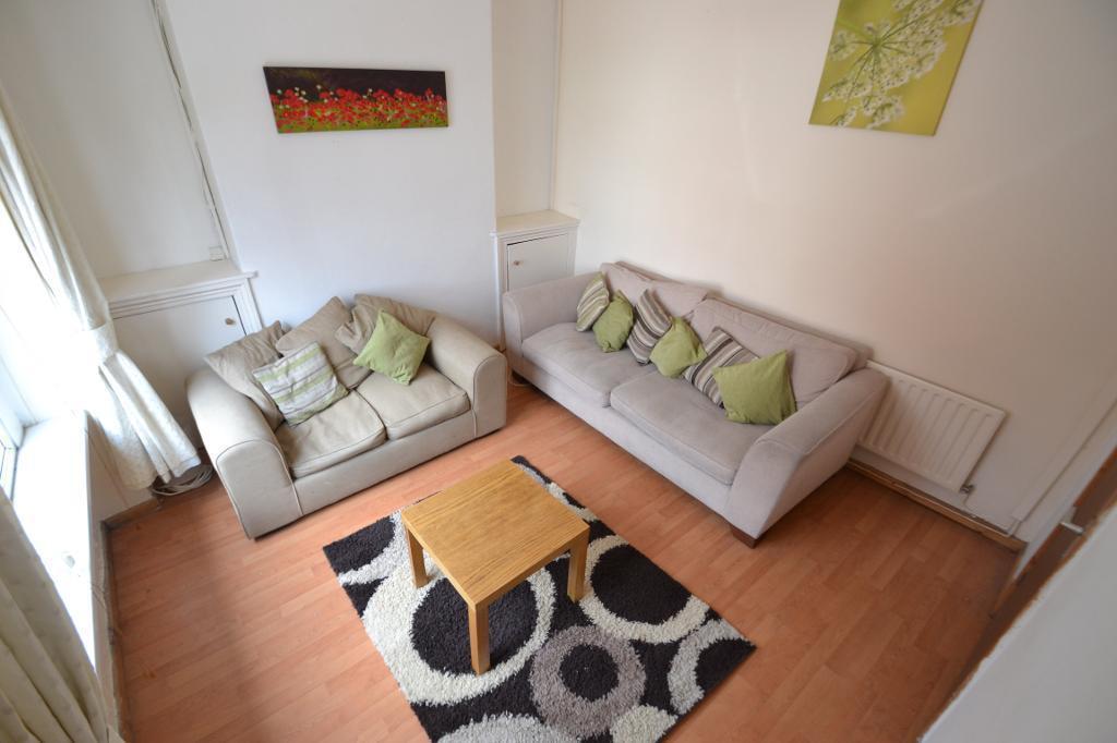 4 bedroom house in Meteor Street, Adamsdown, Cardiff