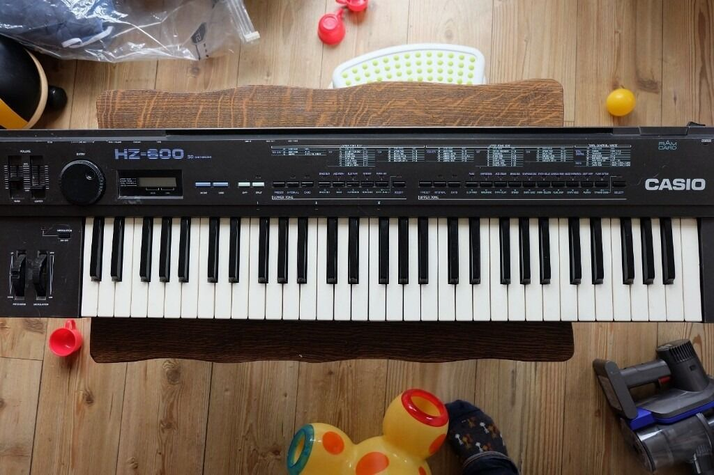 CASIO HZ600 SD SYNTHESIZER SYNTH VINTAGE RETRO KEYBOARD SYNTHESISERin East London, LondonGumtree - CASIO HZ600 SD SYNTHESISER Up for grabs my original Casio Hz600 synth which ive owned since i bought it as a teenager in 1987.This is quite a quirky thing digital wave forms and an 8 bit style chip that definitely gives it quite a grungy lo fi and...