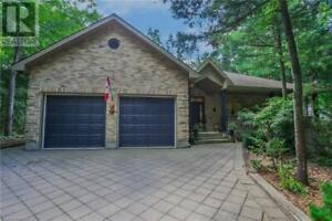 10281 GRAND OAKS DRIVE Grand Bend, Ontario