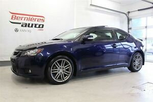 2013 Scion tC Toit Pano