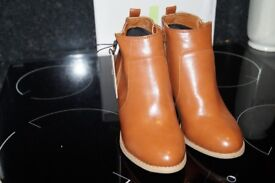 ladies brand new ankle boot size 5