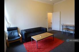 3 bedroom flat in Heaton, Newcastle Upon Tyne, NE6 (3 bed)