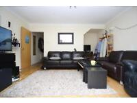 3 bedroom house in Magellan Place, Docklands, London E14