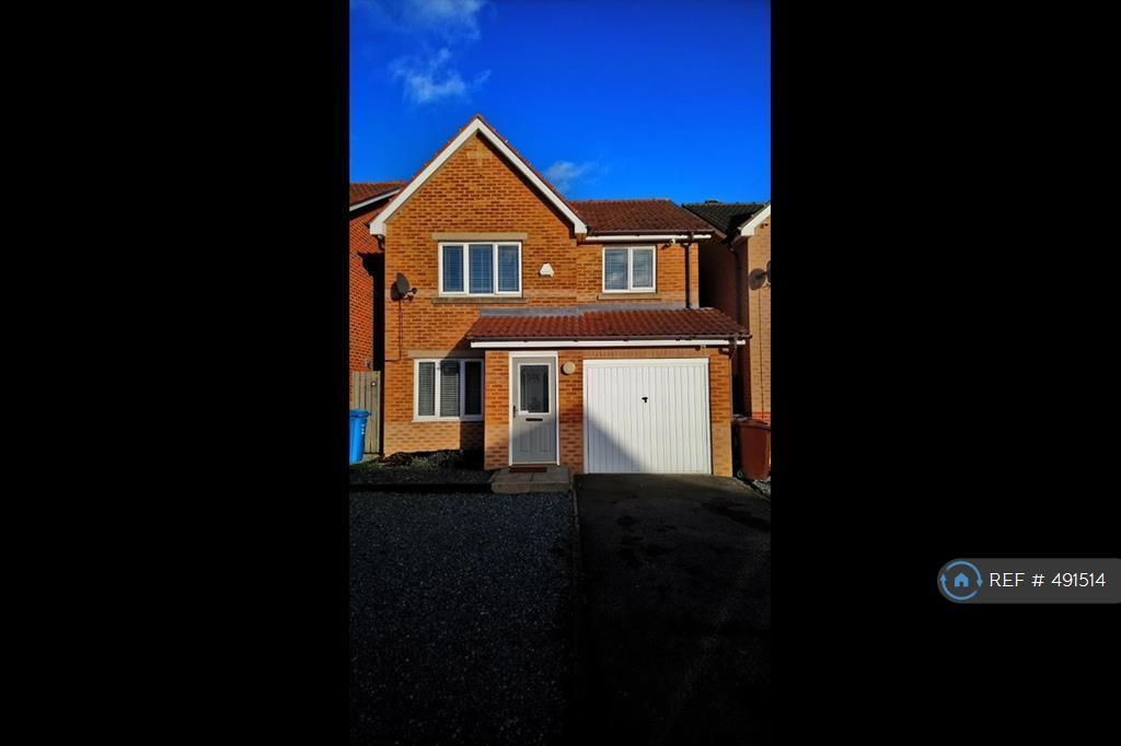 3 Bedroom House In Highgrove Way Kingswood Hull Hu7 3 Bed
