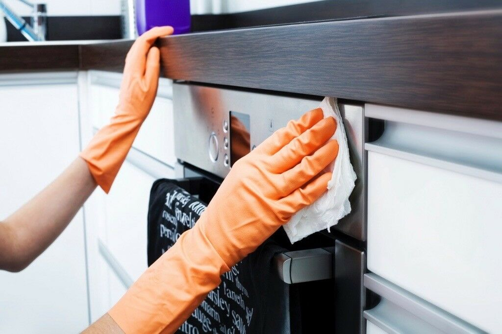 Professional Domestic & Commercial Cleaning Service - Top Clean Manchester